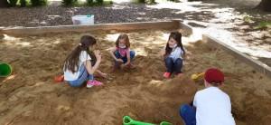ve třídě a na zahradě (12)