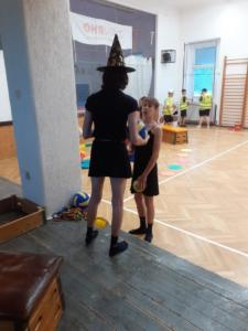 Sportovní den s pokladem - deváťáci dětem (5)