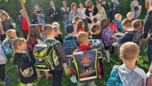 2021 – Přivítání prvňáčků na zahradě školy (13)